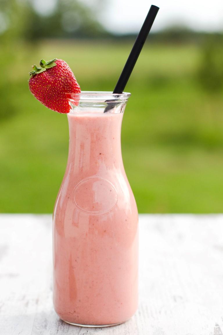 Erdbeer-Rhabarber-Shake-5