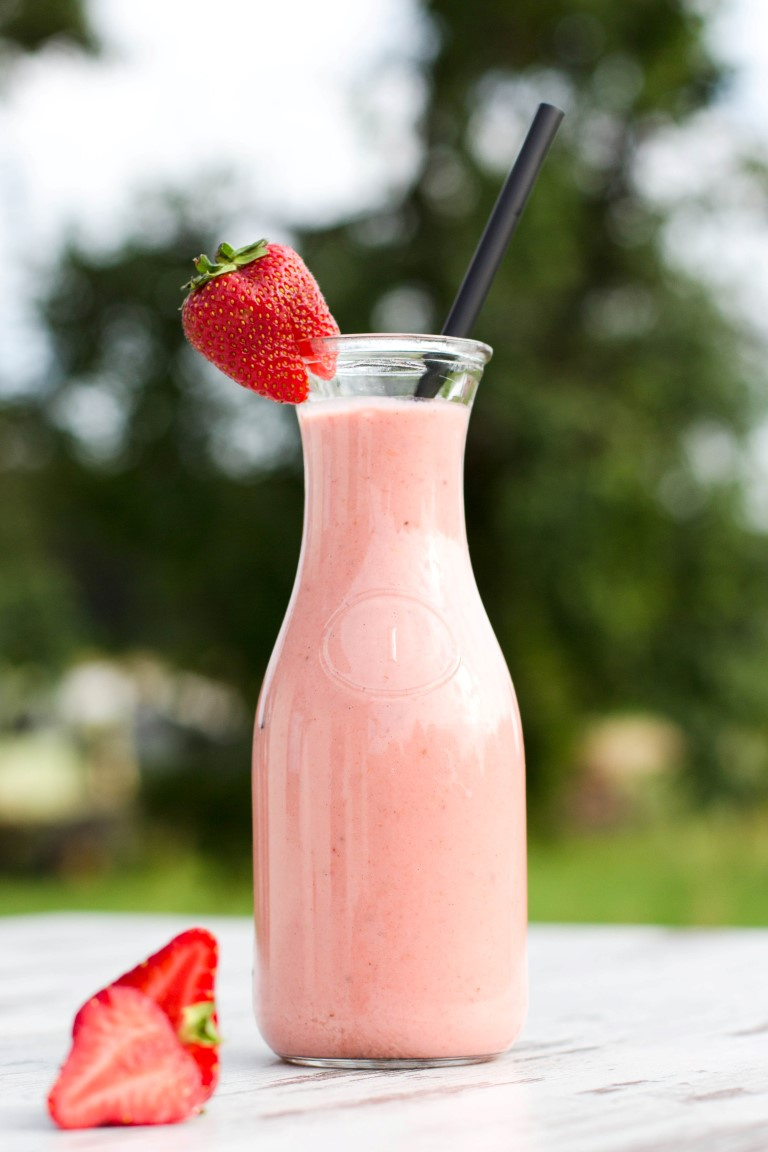 Erdbeer-Rhabarber-Shake-8
