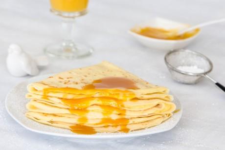 Pfannkuchen mit Kürbis-Orangen-Ingwer Sauce