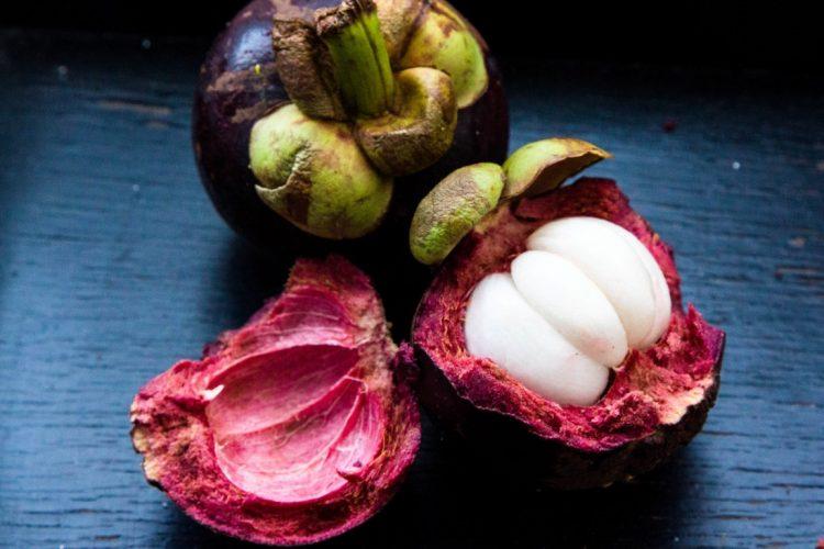 Mangostane-Exotische-Früchte-in-Thailand-18-Sorten-die-man-probieren-muss-01