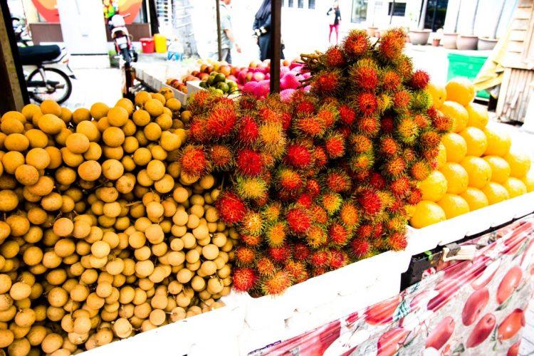Rambutan-Exotische-Früchte-in-Thailand-18-Sorten-die-man-probieren-muss-08
