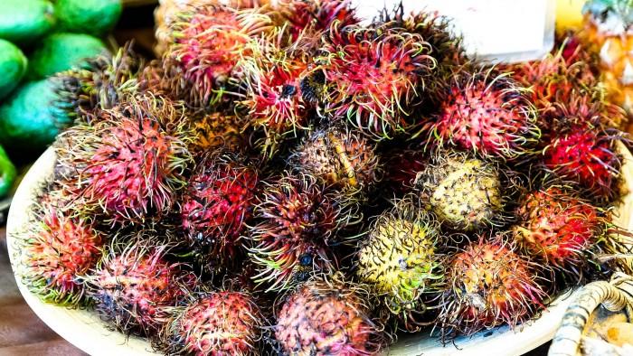 Rambutan-Exotische-Früchte-in-Thailand-18-Sorten-die-man-probieren-muss-12