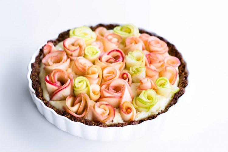 Apfelrosen-Kuchen-mit-Walnussboden-Rezept-2