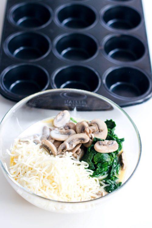 Eier-Muffins-mit-Spinat-und-Champignons-Rezept-Frühstück-1