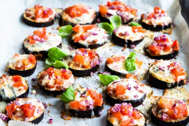Auberginen-Pizzette-überbacken-Mozzarella-Gorgonzola-Tomate-Rezept-9
