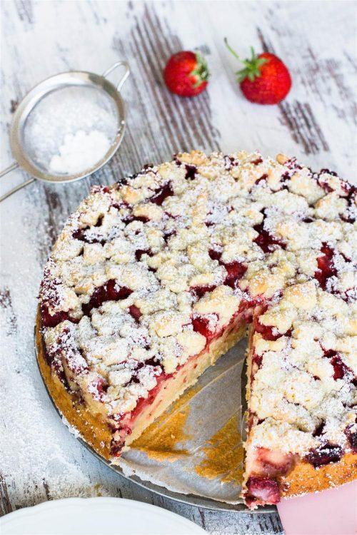 Joghurt Kuchen Mit Erdbeeren Und Streusel Kaschula