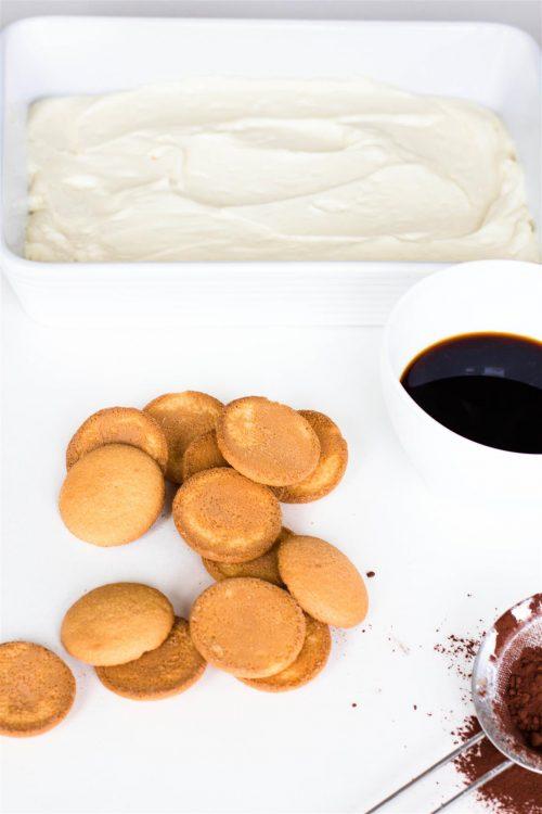 Schneller-Tiramisu-Käsekuchen-mit-Erdbeeren-Rezept-01