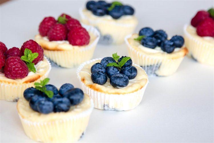 Quarkmuffins-mit-Oreoboden-und-Früchten-Rezept-06