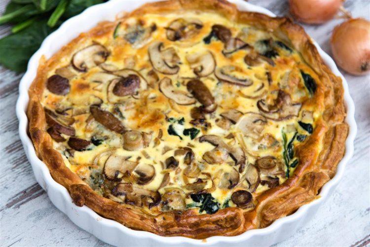 rezept-quiche-mit-spinat-zwiebeln-champignons-gorgonzola-ei-creme-fraiche-05-1