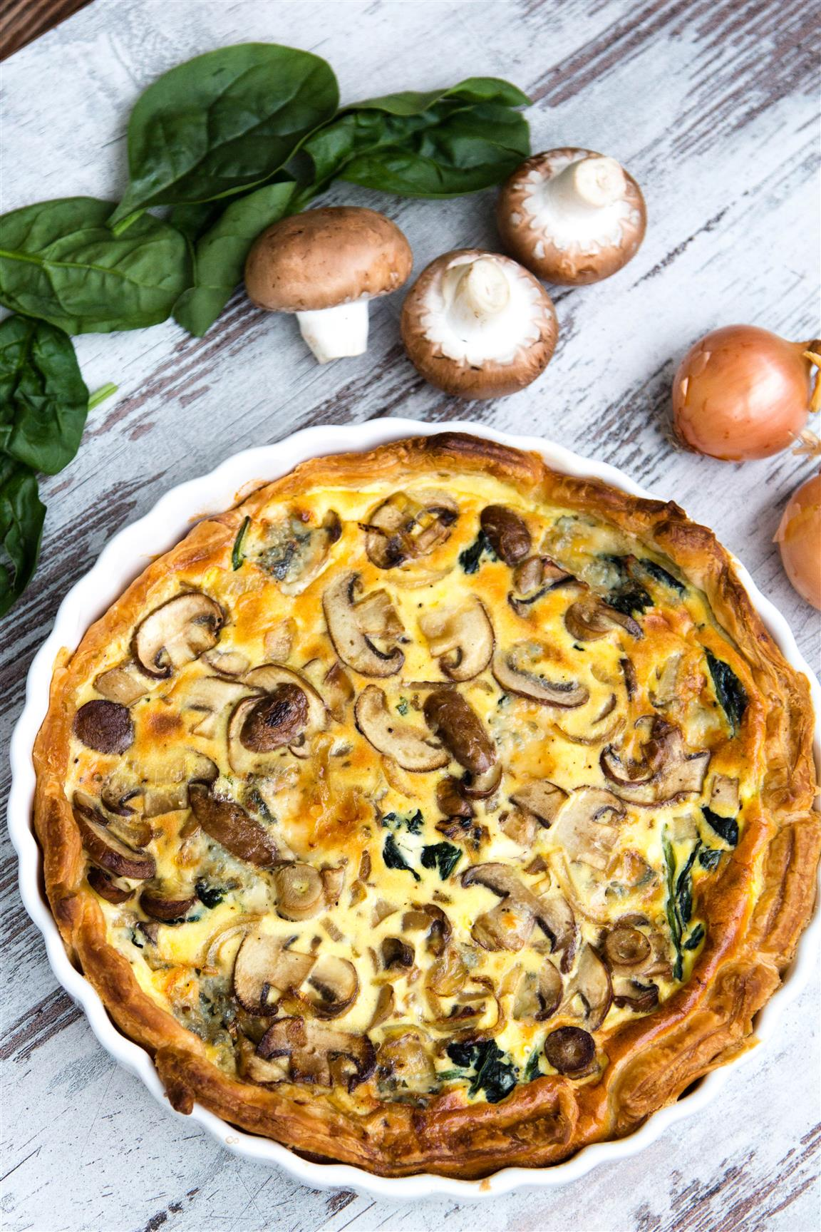rezept-quiche-mit-spinat-zwiebeln-champignons-gorgonzola-ei-creme-fraiche-06-1